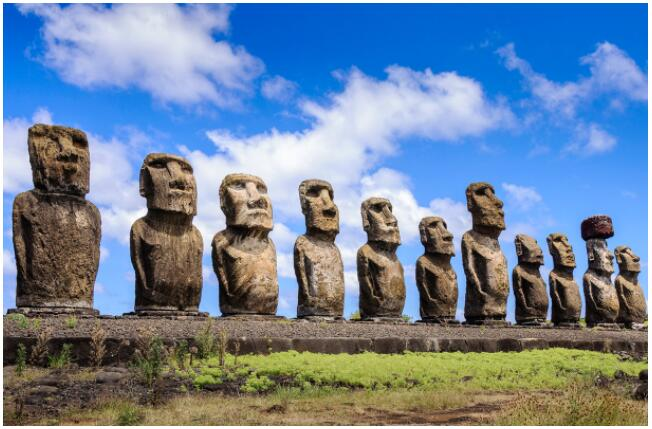 EASTER ISLAND ATTRACTIONS